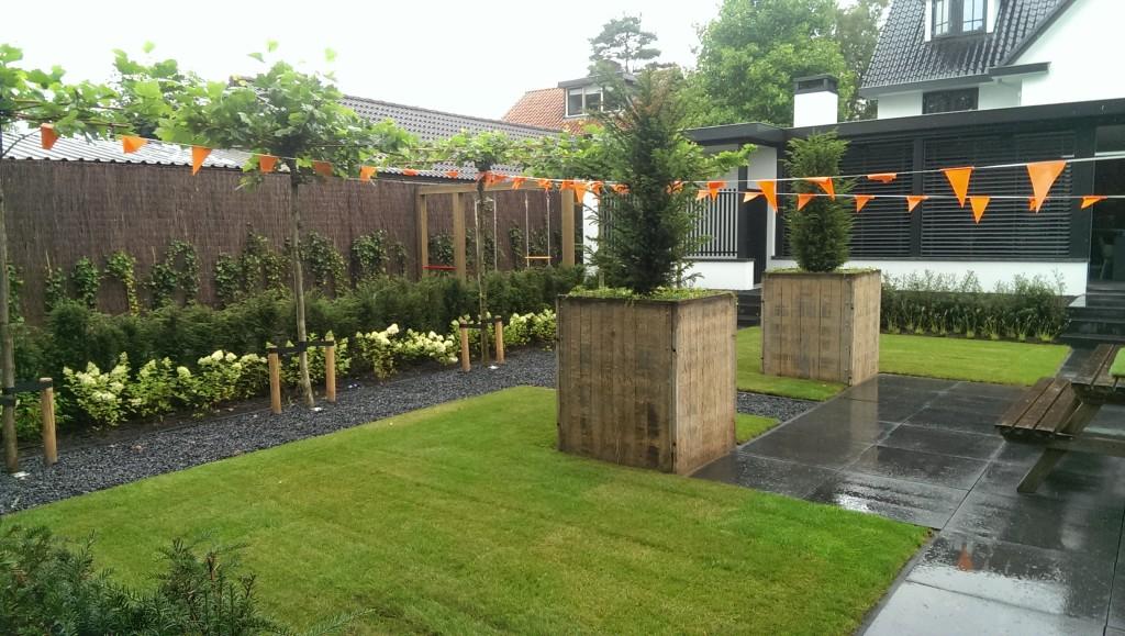 Moderne landelijke tuin mk hoveniers for Landelijke tuin aanleggen